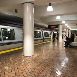 MUNI / BART Station - Montgomery - 248 Photos & 194 Reviews - Train