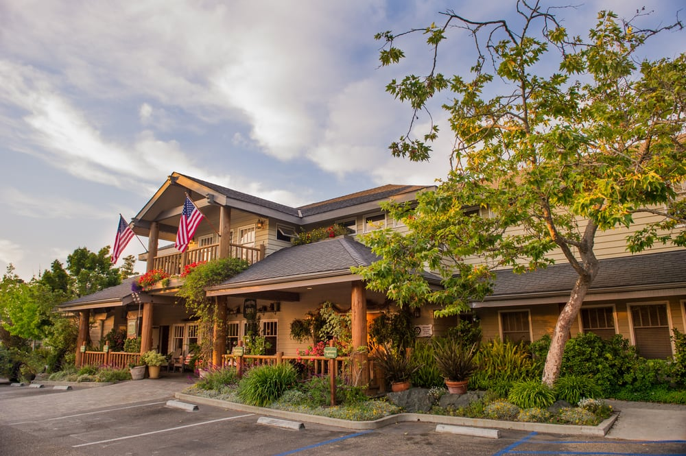 Hotels Near Cambria Pines Lodge