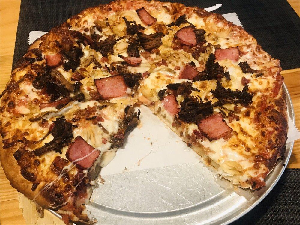 Upper Crust Pizza and Burger Bar: 119 SE 2nd St, Snow Hill, NC
