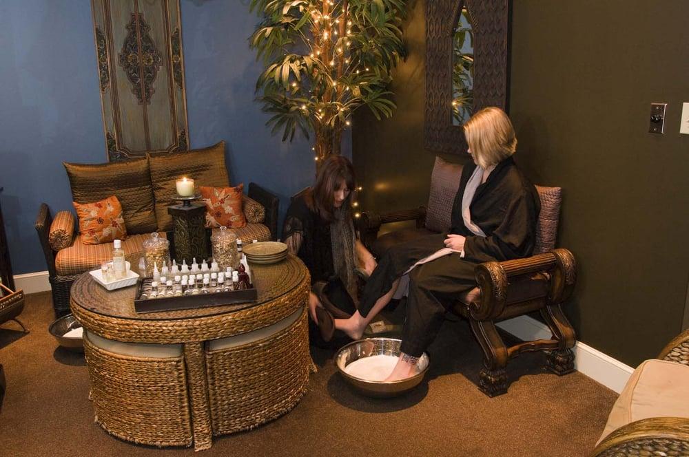 Casal's De' Spa & Salon - Howland: 8600 E Market St, Warren, OH