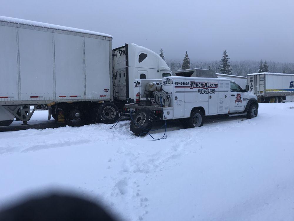 JP & Family Roadside Truck Repair: 600 N Weed Blv, Weed, CA