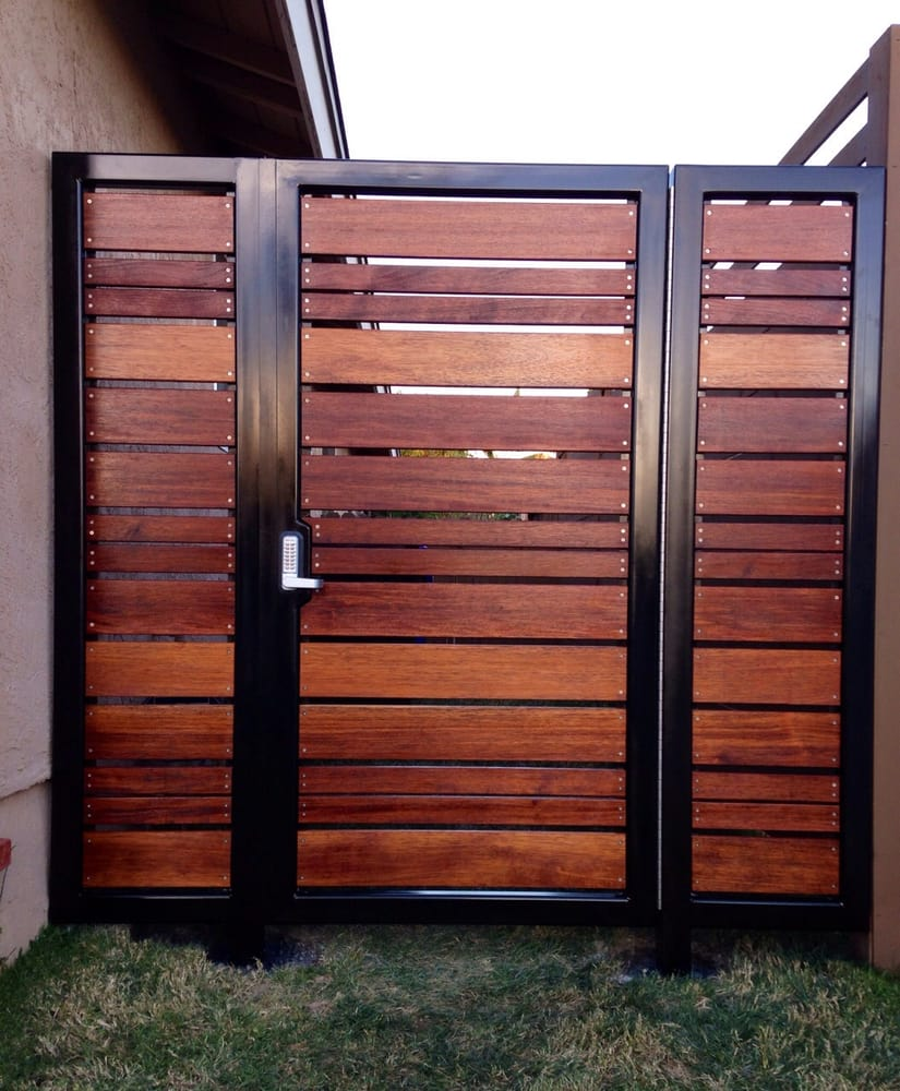 Modern Horizontal Style Entry Gate Ipe Mangaris Tropical Hardwood Prominent Welded Steel Frame