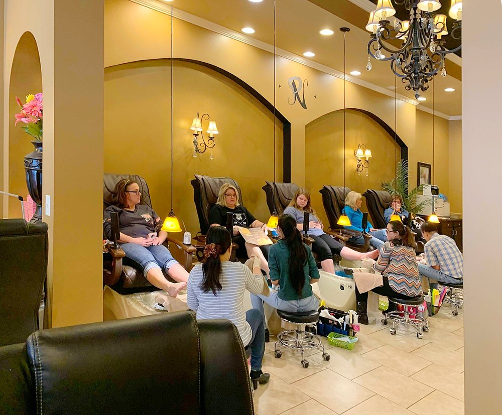 Parisanne Nails & Spa: 2909 Tazewell Pike, Knoxville, TN
