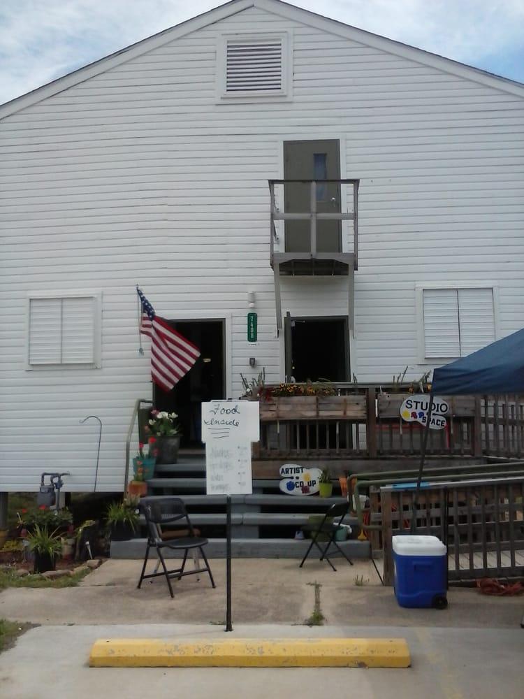 Cre8ive Arts Network Visual Arts Studio: 7408 Buckhorn St, Fort Smith, AR