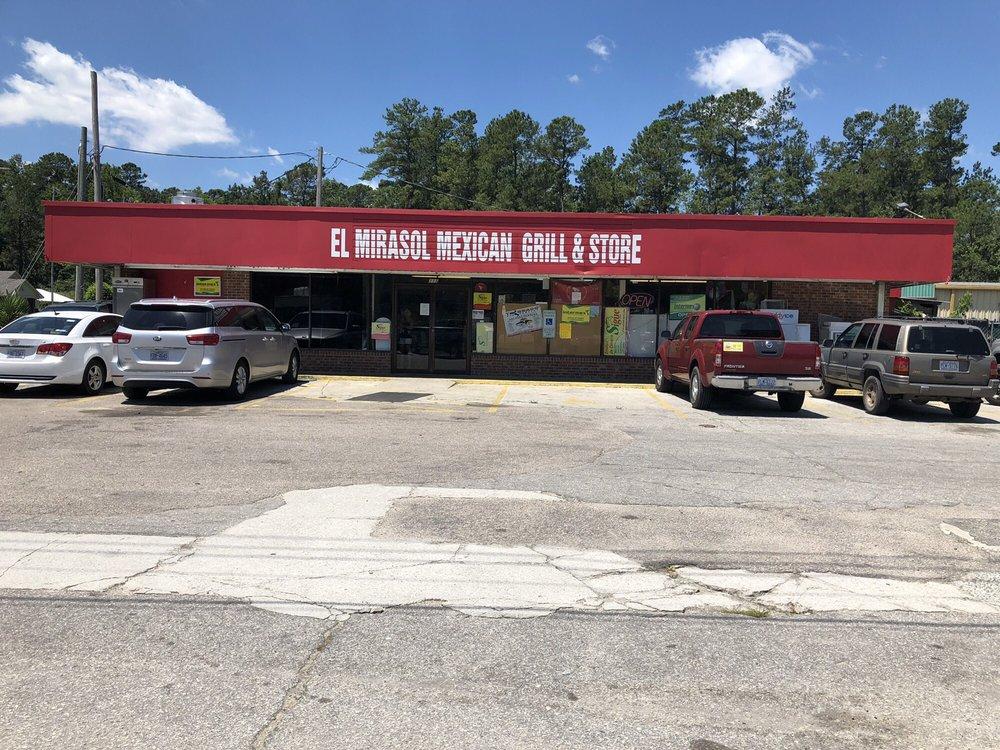 Tienda El Mirasol: 115 US Highway 117 S, Burgaw, NC
