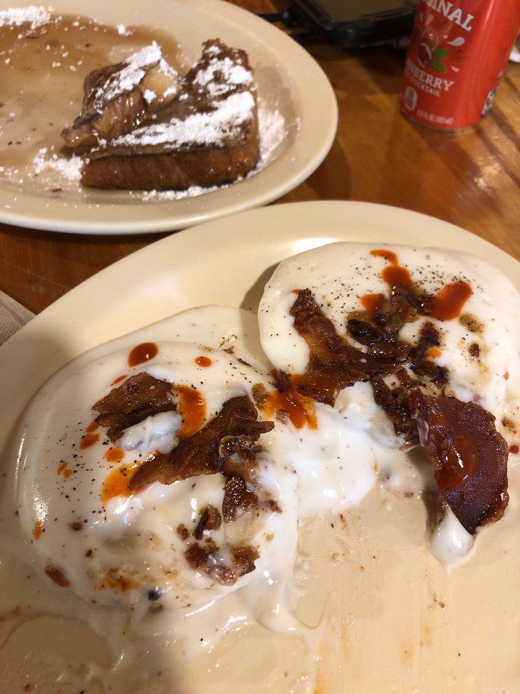 Rollie's On Texas: 341 S Texas St, De Leon, TX