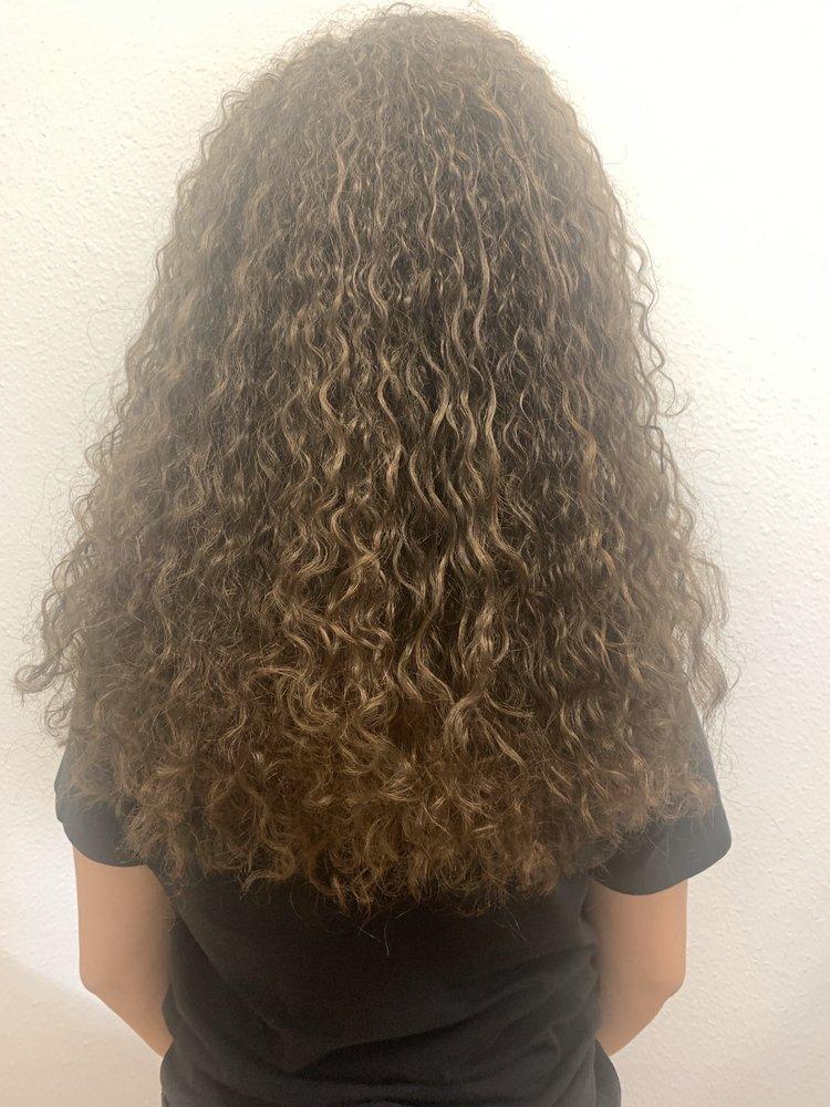 Curls by Keiko: 125 Washington St, La Conner, WA