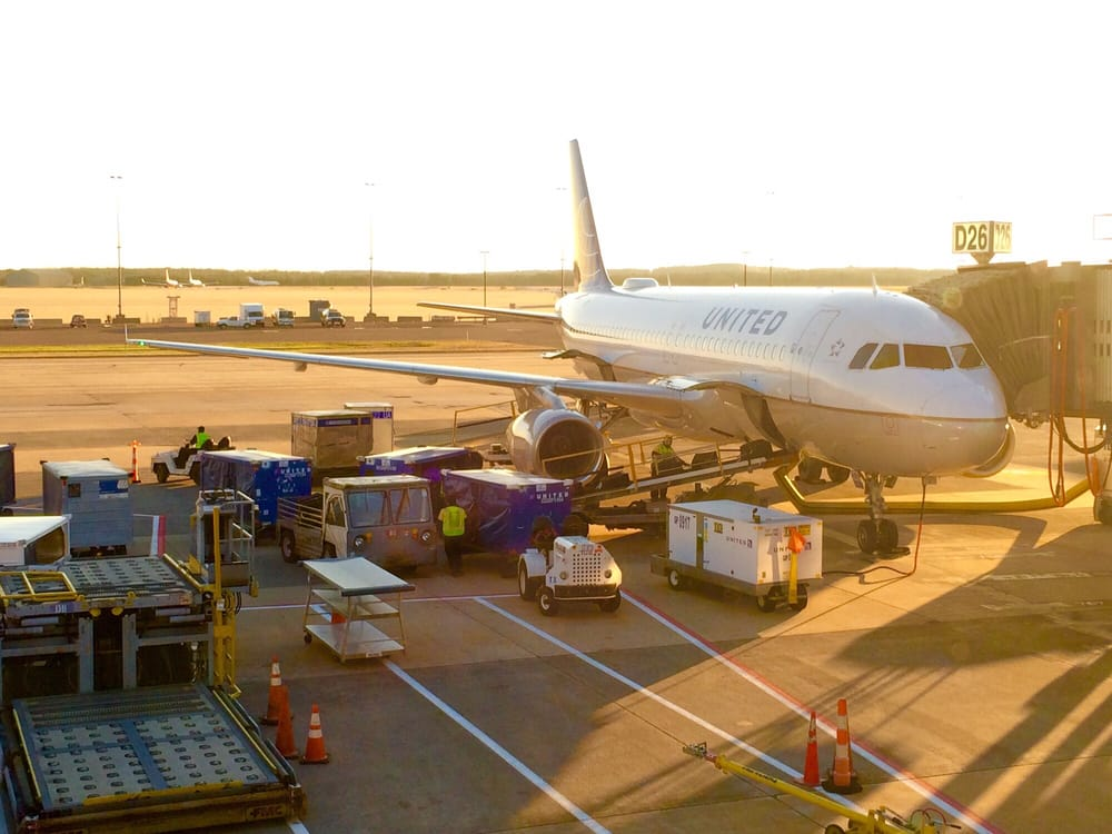 Photo of United Airlines: Dulles, VA