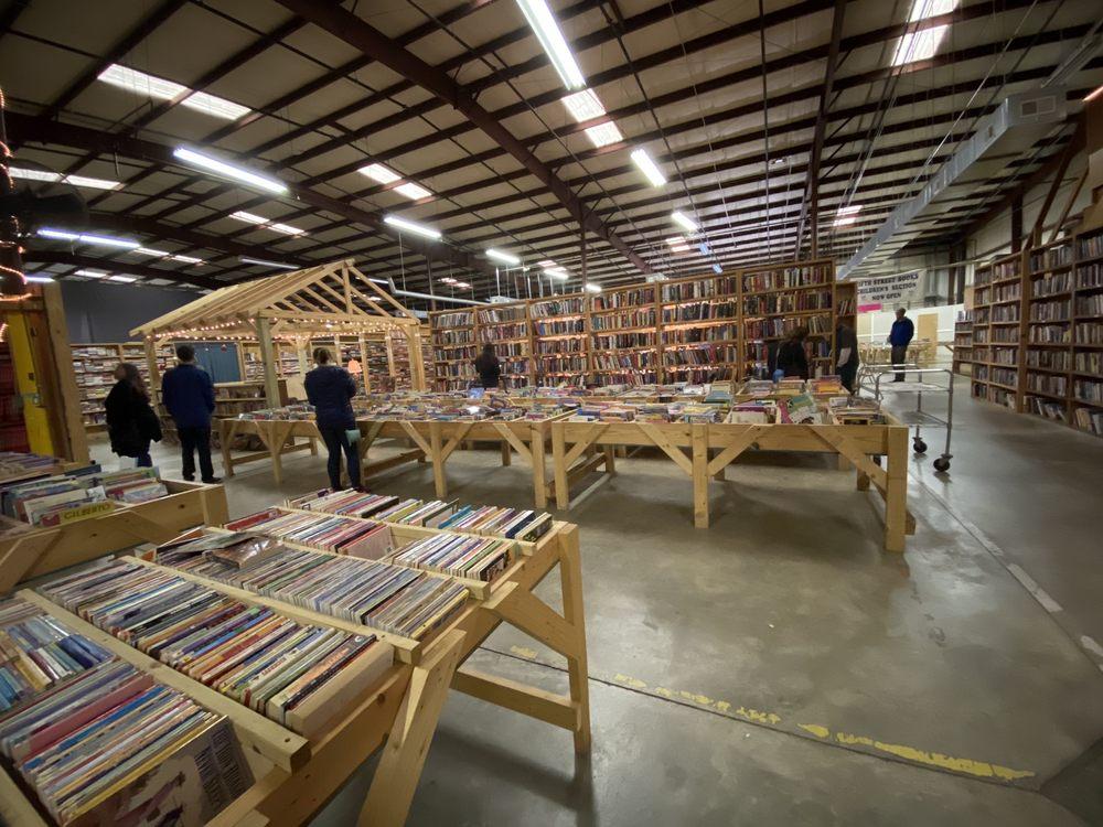 Fifth Street Books: 2267 US 70, Mebane, NC