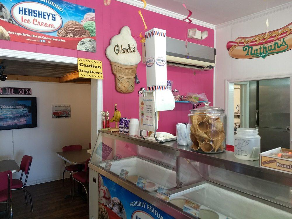 Glenda's Sweet Shop & Grill: 300 S. Wall Street, Benson, NC