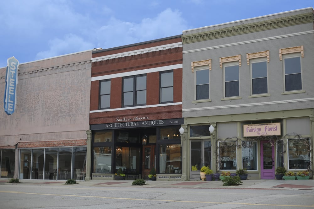 Southern Accents Architectural Antiques: 308 2nd Ave SE, Cullman, AL