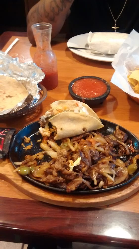 Los Reyes Mexican Restaurant: 1880 Hwy 29 N, Athens, GA