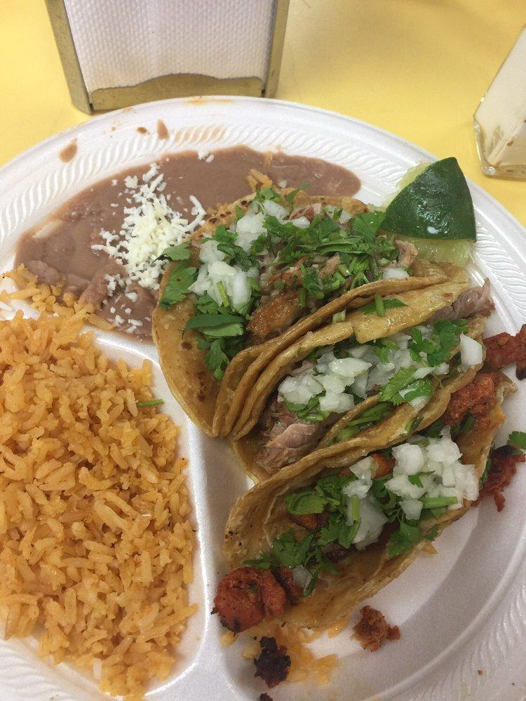 El Mexicano: 448 Railroad Ave, Moline, IL