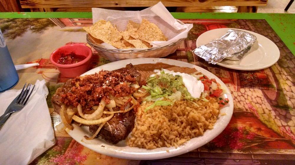 Los Portales Restaurant & Grocery: 503 W Pearce Blvd, Wentzville, MO