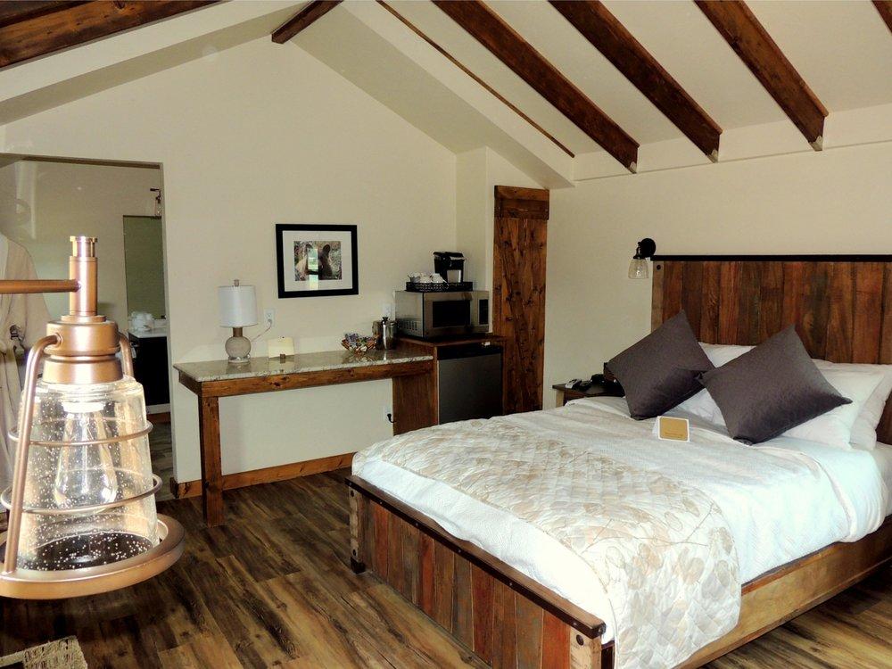 Mountain River Lodge: 38122 US-24, Lake George, CO