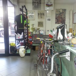Casa della bicicletta motorcykelforhandlere via for Casa della piastrella firenze