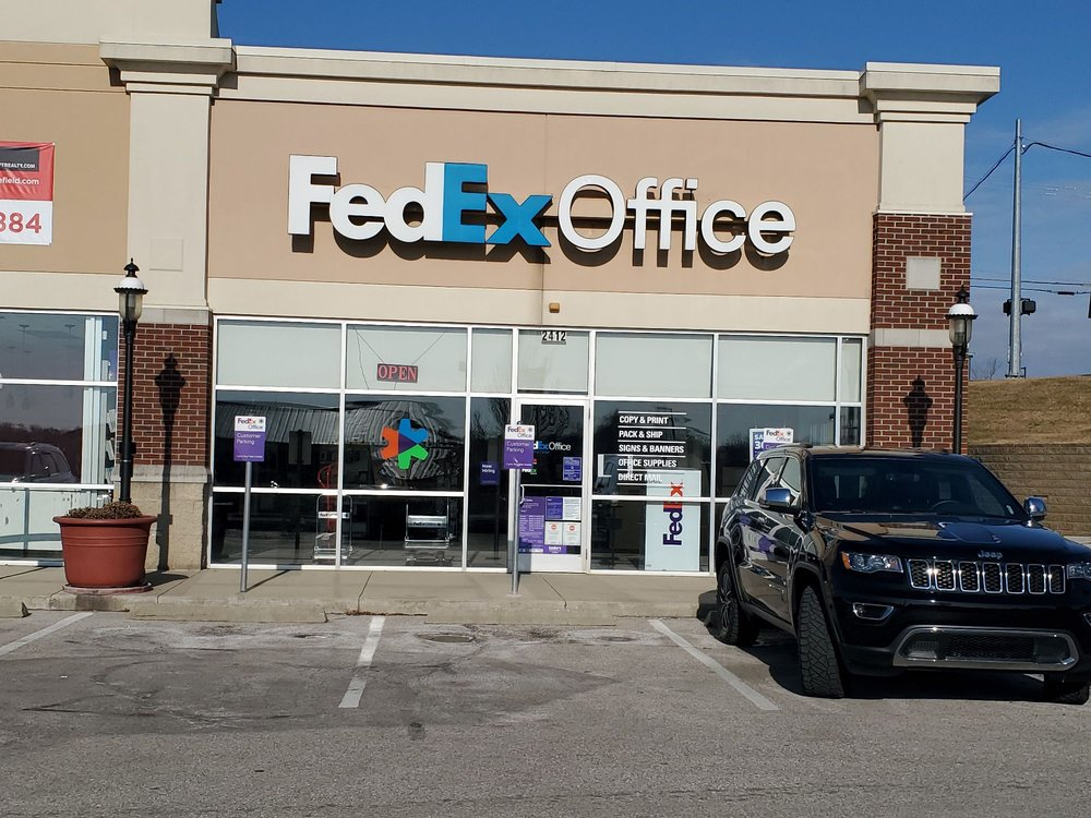 FedEx Office Print & Ship Center: 2412 Baxter Ave, Crescent Springs, KY