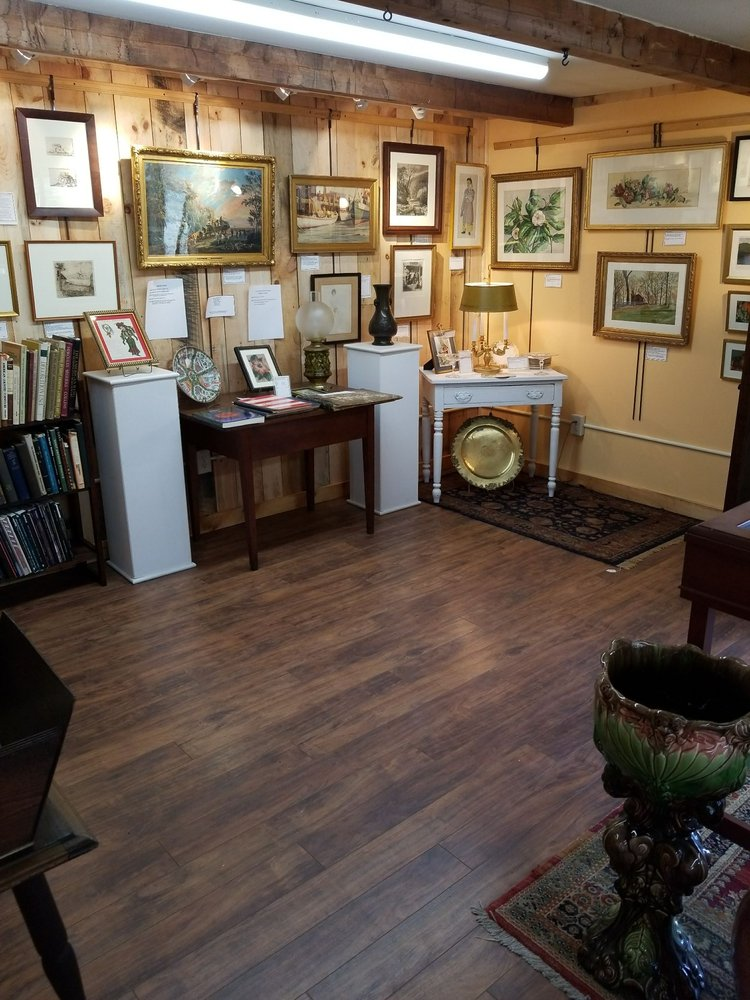 Arts & Antiques on 5 & 10: 717 Greenfield Rd, Deerfield, MA
