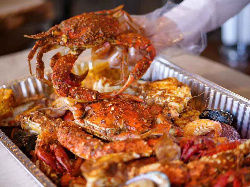 Mr. & Mrs. Crab: 1700 W New Haven Ave, Melbourne, FL