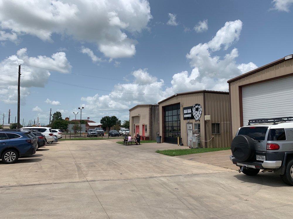 Baa Baa Brewhouse: 539 Fm 359 S Rd, Brookshire, TX