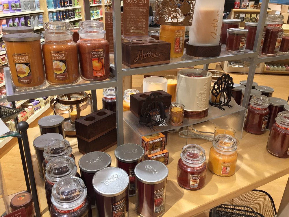 Yankee Candle Company: 3405 Candlers Mountain Rd, Lynchburg, VA