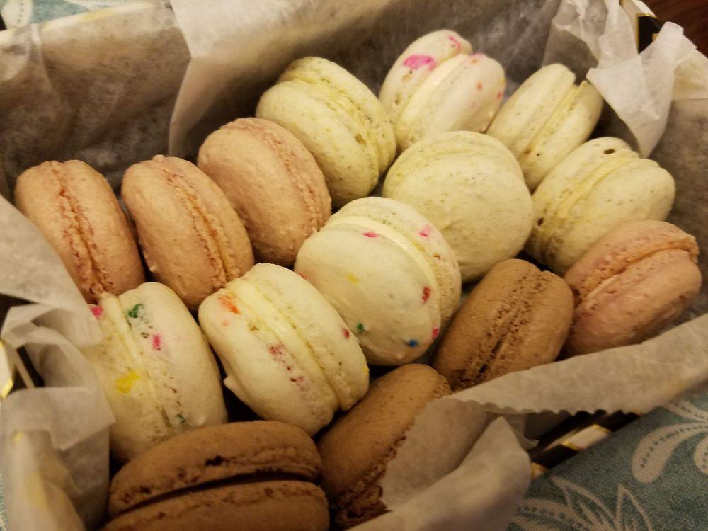 Baker\'s Hangout Home Bakery - 297 Photos & 10 Reviews - Desserts ...
