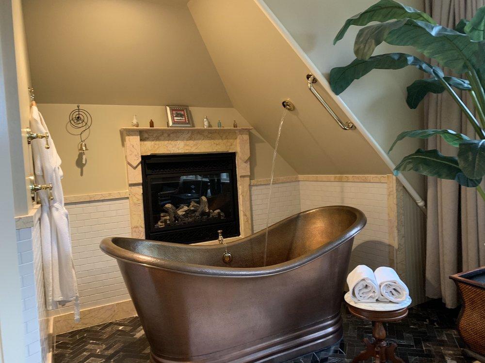 Ann Bean Mansion: 319 Pine St W, Stillwater, MN