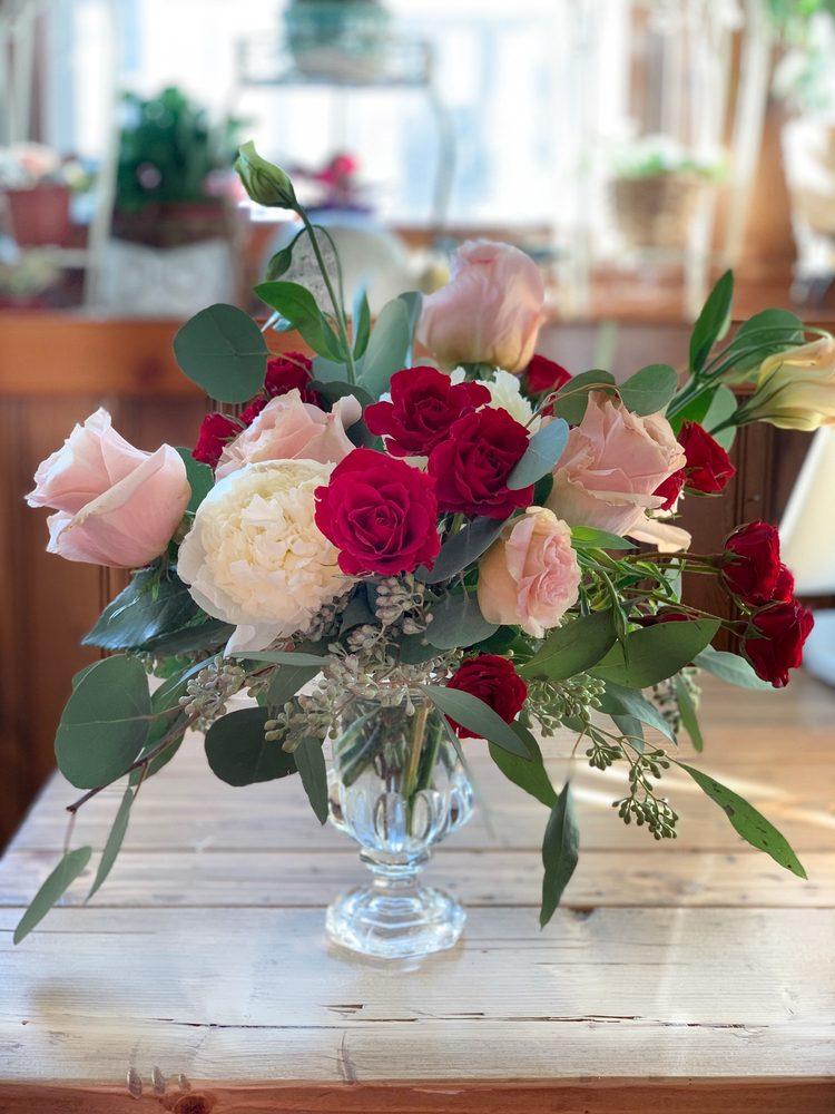 Bloomies Flower Shop: 21 N 2nd St, Easton, PA