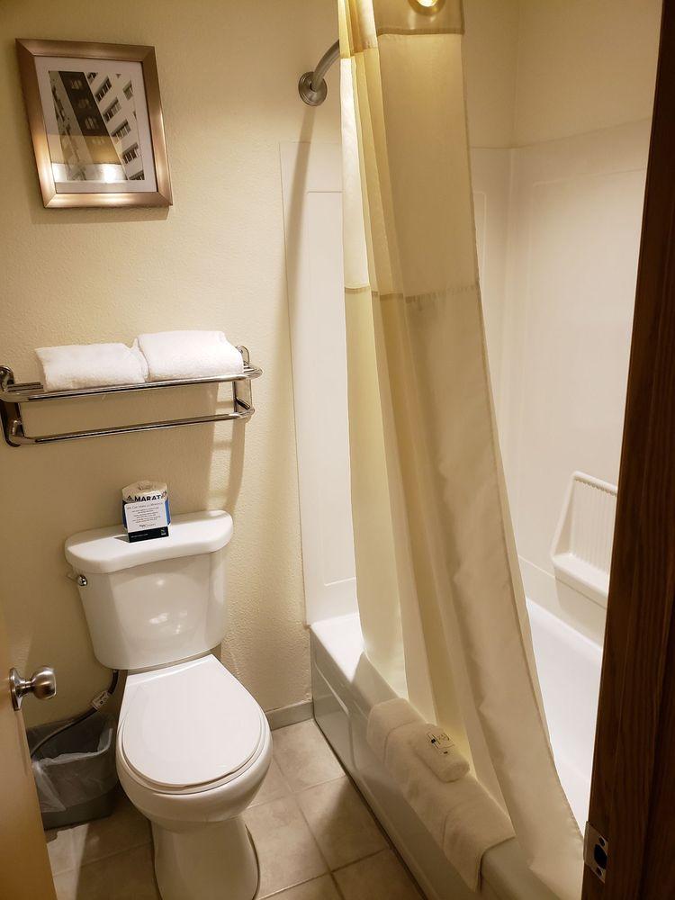 Quality Inn & Suites: 9734 Silverdale Way NW, Silverdale, WA