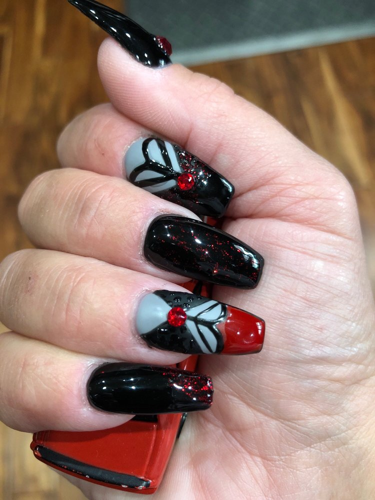 Exquisite nails: 14037 Hwy 13 S, Savage, MN