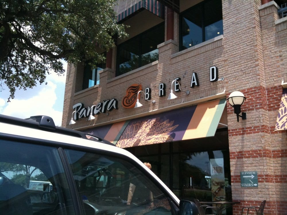 Aug 11,  · Have started going to Panera as a lunch or brunch choice, here and in other cities. This NW Austin location has very friendly servers. The food is very good, too, and it's just a nice place to relax, meet friends, and have lunch.4/4(37).