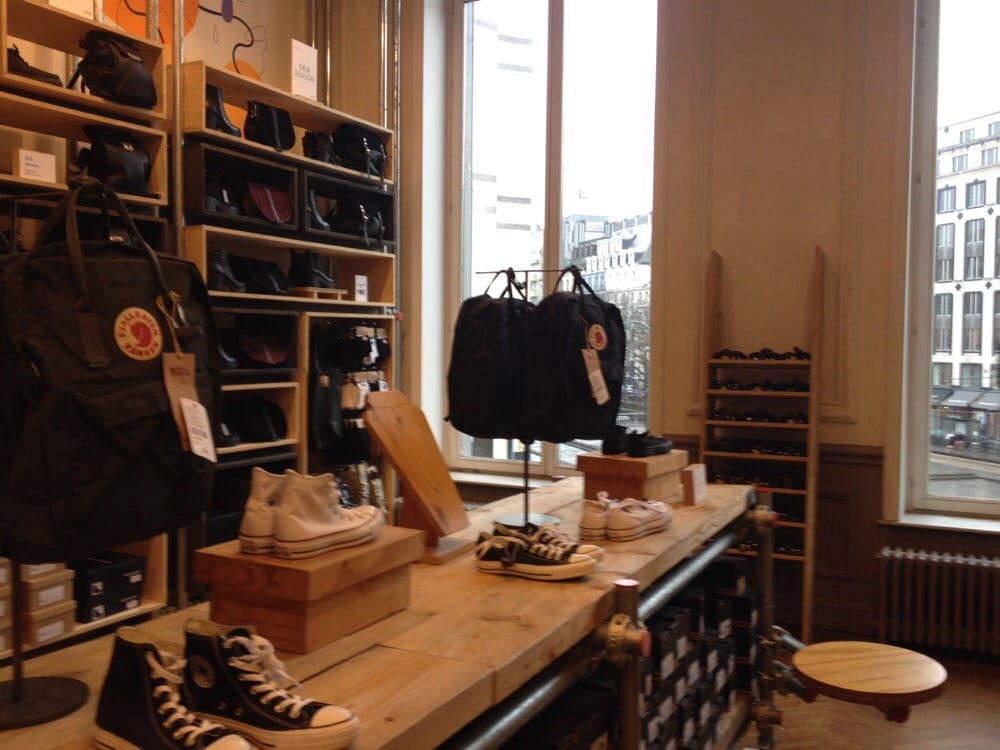 Urban outfitters 15 foto 39 s 27 reviews vrouwenkleding - Urban outfiters bruxelles ...