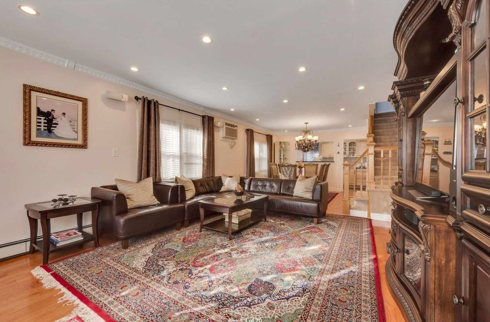 Zhao Ying Amber Lin - Century Homes Realty: 34-36 Union St, Flushing, NY