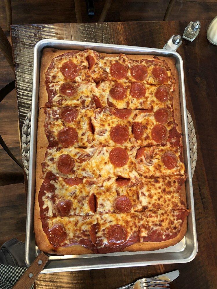 Verona Angilo's Pizza: 2011 Verona-Mudlick Rd, Verona, KY