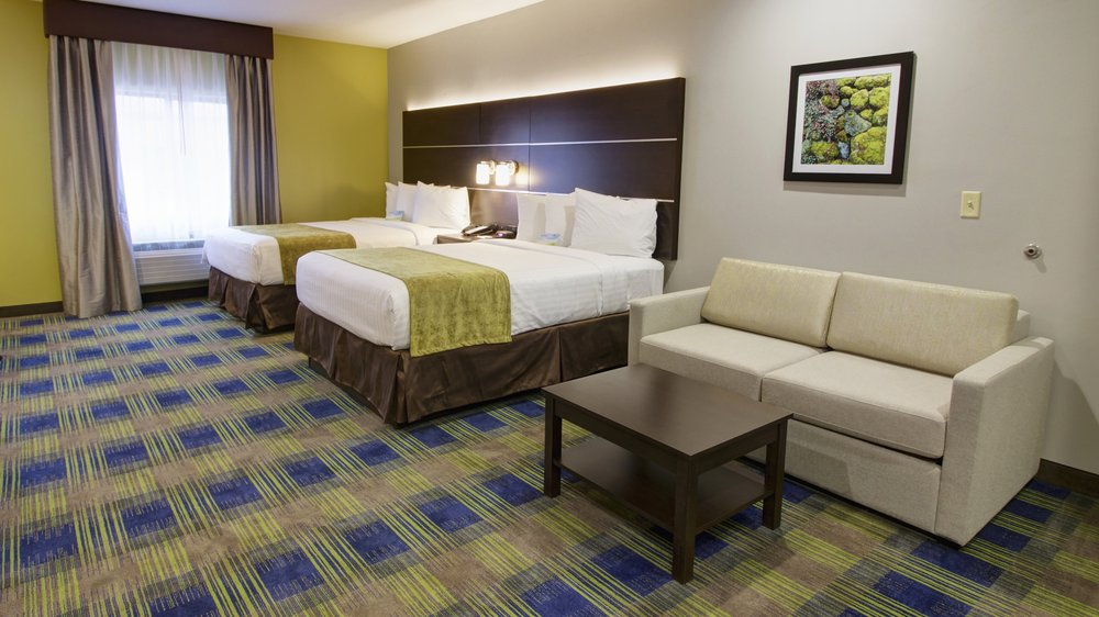 Photo of Days Inn & Suites by Wyndham Port Arthur: Port Arthur, TX
