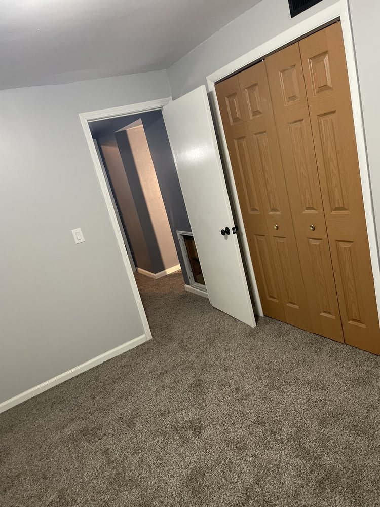 Castle Court Apts: 221 W Rosewood Ave, Defiance, OH