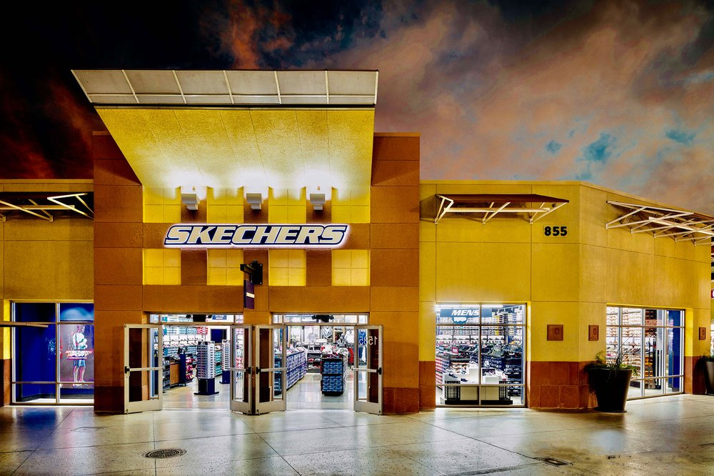 SKECHERS Factory Outlet: 1200 Tuscola Blvd, Tuscola, IL