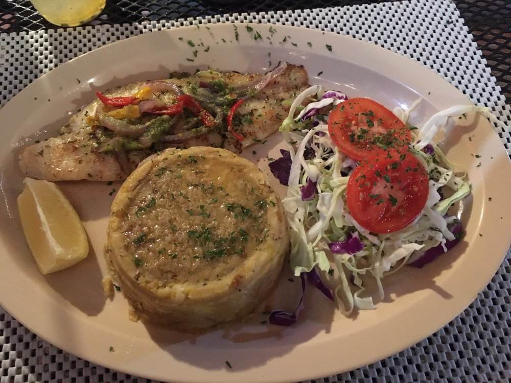 Nina Island Cuisine: Calle Escudero S/N, Culebra, PR