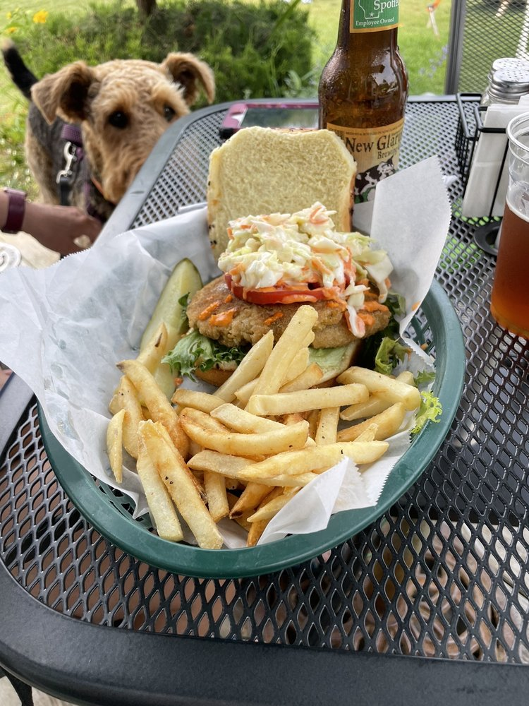 Waterfront Marys Bar and Grill: 3662 North Duluth Ave, Sturgeon Bay, WI
