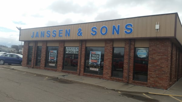 Janssen Ford Holdrege >> Yelp Reviews For Janssen Sons Ford New Car Dealers