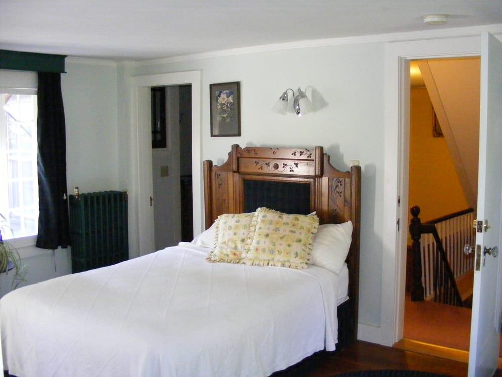 Inn of the Tartan Fox: 350 Old Homestead Hwy, Swanzey, NH
