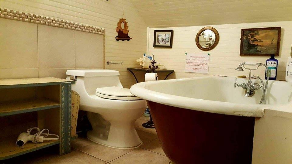 Enchanted Cottages: 4102 Pacific Way, Seaview, WA