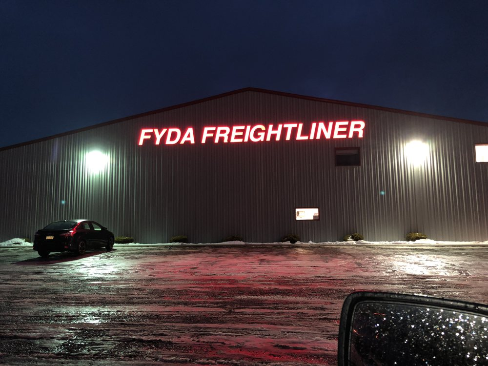 Fyda Freightliner Barkeyville: 5758 State Rt 8, Harrisville, PA