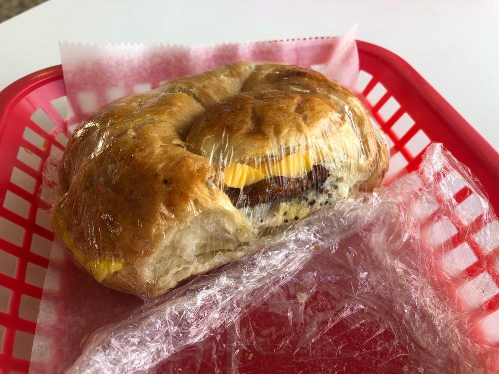 Donut Palace: 520 E Steve Owens Blvd, Miami, OK