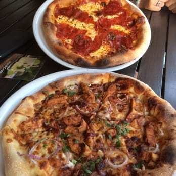 California Pizza Kitchen 326 s & 269 Reviews