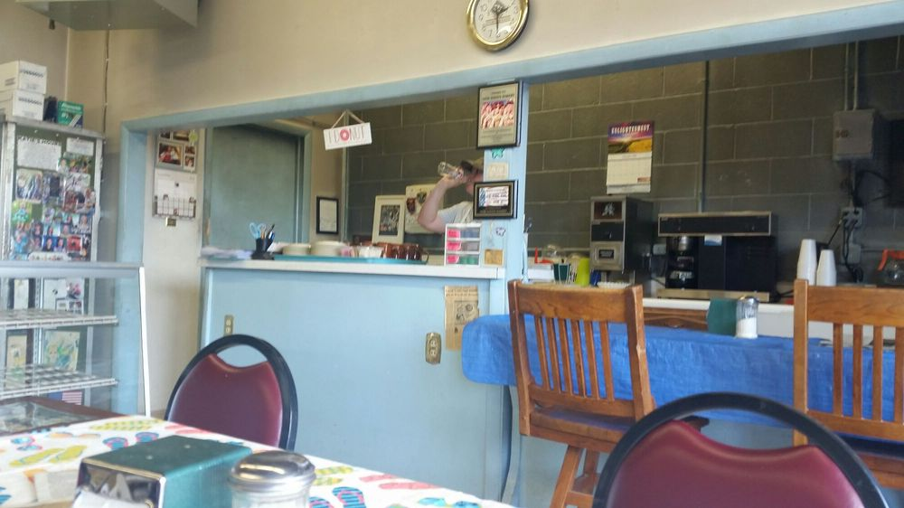 New Haven Bakery: 915 Lincoln Hwy E, New Haven, IN