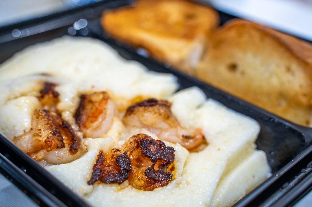Darrow's New Orleans Grill: 21720 Avalon Blvd, Carson, CA