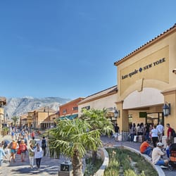 prada purses in cabazon outlet in california