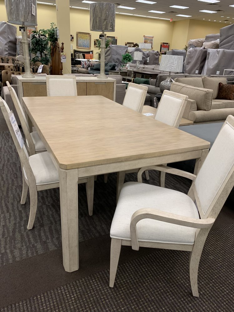 Direct Furniture Outlet: 600 S Mckenzie St, Foley, AL