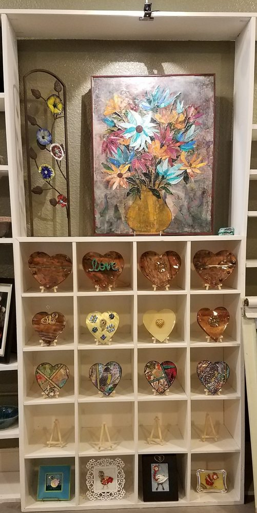 The Little Art Shop: 129 E 1st St, Benicia, CA